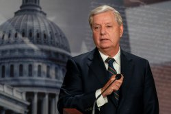 Lindsey Graham calls on Senate to dismiss Trump impeachment article