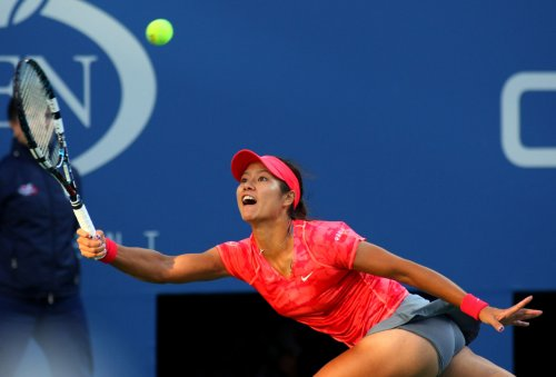 Li Na repeats as Shenzhen Open champion