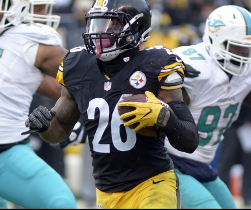 Pittsburgh Steelers tag RB Le'Veon Bell