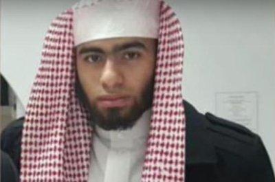 Australia police raid homes, arrest 2 to foil terror plot