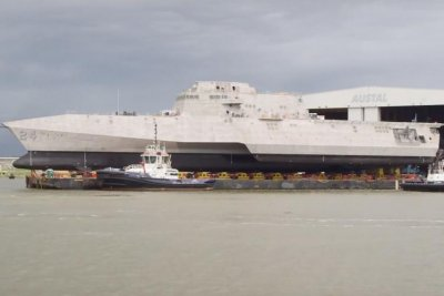 Austal awarded $7.9M contract for USS Oakland deficiencies, maintenance
