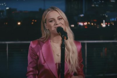 Kelsea Ballerini performs 'A Country Song' on 'Late Late Show'