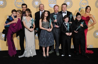 'Modern Family' wins top comedy SAG award