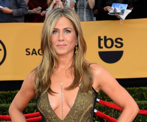 Jennifer Aniston, David Oyelowo to be Oscar presenters; Jennifer Hudson to perform