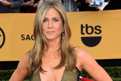 Jennifer Aniston, David Oyelowo to be Oscar presenters; Jennifer Hudson to perform