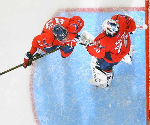 High powered Washington Capitals shut down Philadelphia Flyers in opener