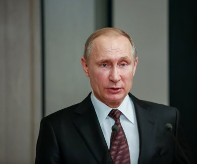 Vladimir Putin offers Middle East peace talks for Israel, Palestinians