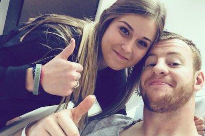 Carson Wentz: Philadelphia Eagles QB undergoes knee surgery