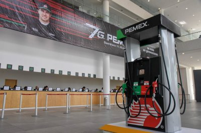 Pemex production down 40k barrels per day, continuing multi-year slide
