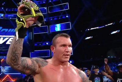 WWE Smackdown: Randy Orton punishes Rey Mysterio