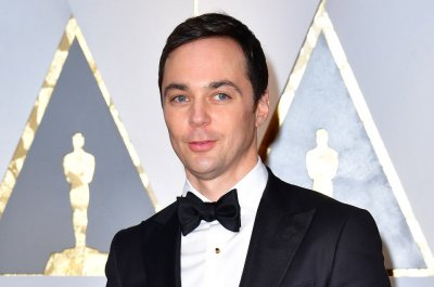 Jim Parsons talks 'Hollywood' and picking up painting on 'Kimmel'