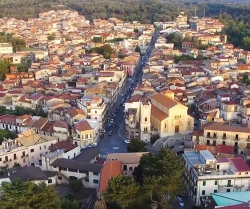 'COVID-free' Italian village offering houses for $1