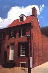 'Ghost Detectives' head to Poe House