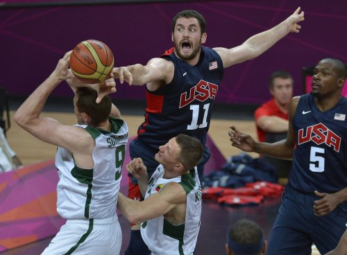 U.S. survives scare in Olympic basketball
