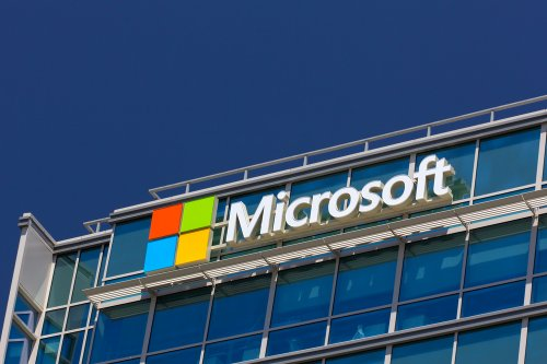 Microsoft workers protest nearly $480M military deal