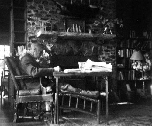 Roosevelt dies of stroke at Little White House