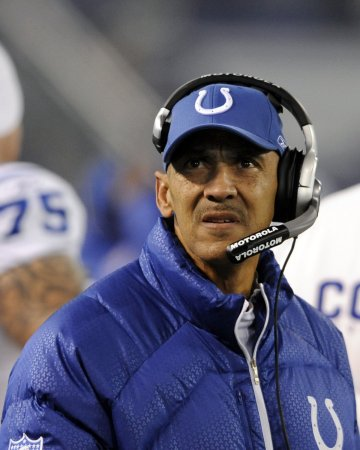 Dungy announces his retirement from Colts