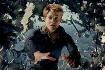 Shailene Woodley stars in Super Bowl spot for 'Insurgent'