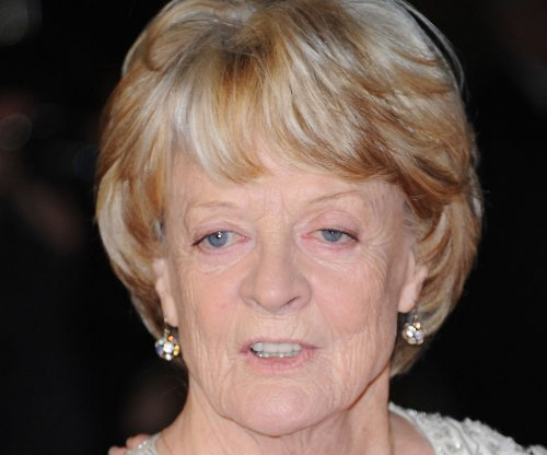 Maggie Smith may remain at 'Downton Abbey' longer