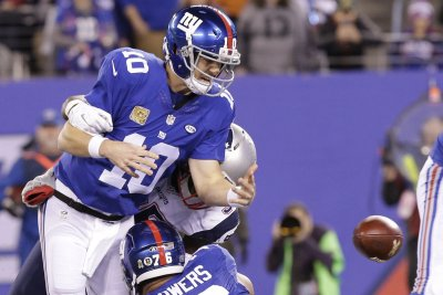Eli Manning, Anquan Boldin, Ben Watson finalists for Walter Payton Man of Year