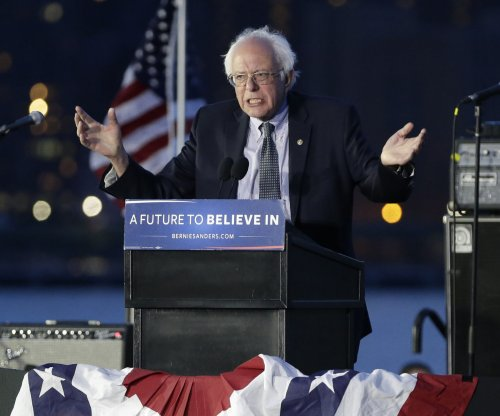 Sanders hits Clinton, DNC over joint fundraising account