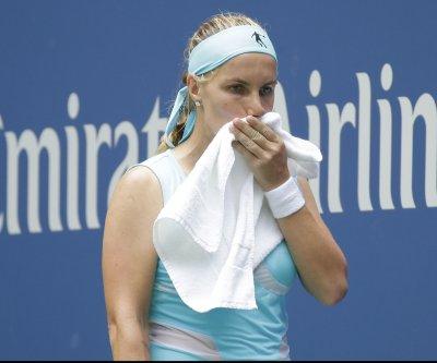 Svetlana Kuznetsova outlasts Karolina Pliskova at WTA Finals