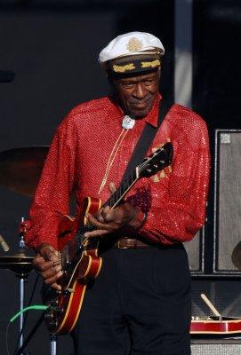 Chuck Berry falls ill at concert