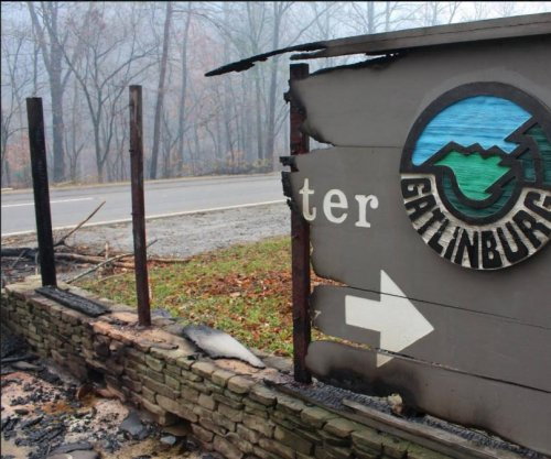 Gatlinsburg residents, businesses allowed to return Wednesday after wildfire