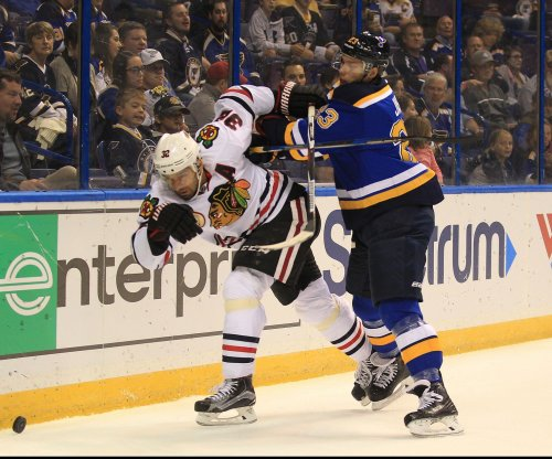 Michal Rozsival, Jordin Tootoo agree to one-year extensions with Chicago Blackhawks