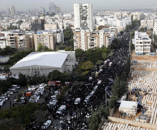 Hundreds of thousands remember Ultra-Orthodox Jewish spiritual leader