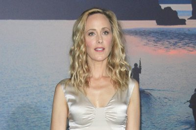 'Grey's Anatomy': Kim Raver to return again in Season 14