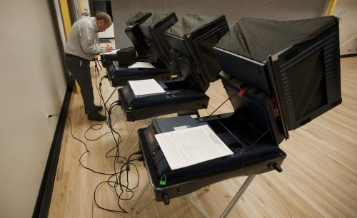 Researchers test voting machines