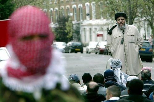 Five terror suspects lose extradition case