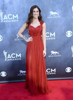 Cassadee Pope wins 'Breakthrough Honor' at CMTs, Blake Shelton says he's still mentoring her