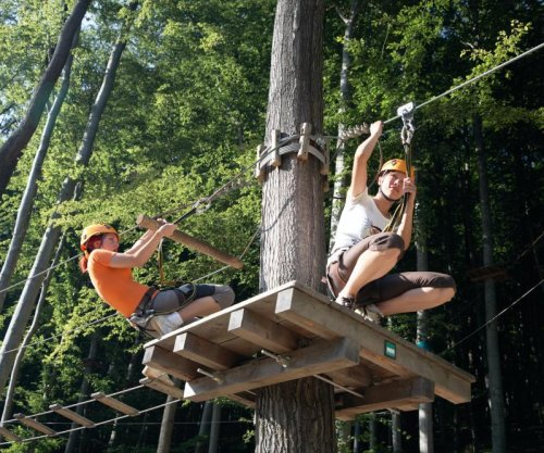 Woman falls to her death from zipline in Delaware