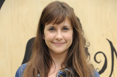 Kellie Martin joins the cast of TBS' anthology comedy 'The Guest Book'