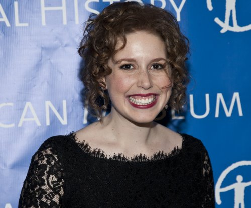 Vanessa Bayer bids farewell to 'Saturday Night Live' after seven years