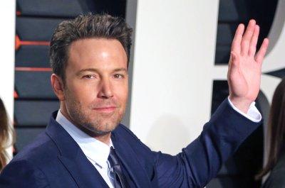 Ben Affleck dating 'SNL' producer Lindsay Shookus following divorce