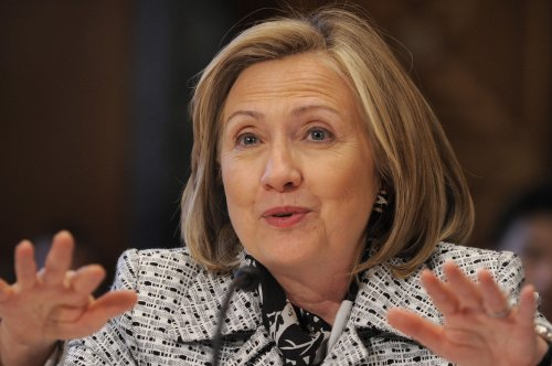 Clinton vows to work on Sri Lanka impasse