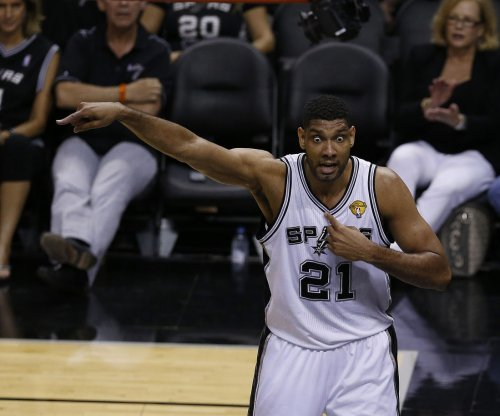 Duncan's block on Harden seals San Antonio Spurs' 10th straight win
