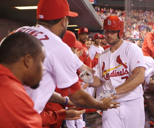 St. Louis Cardinals blank Pittsubrgh Pirates to stay in hunt