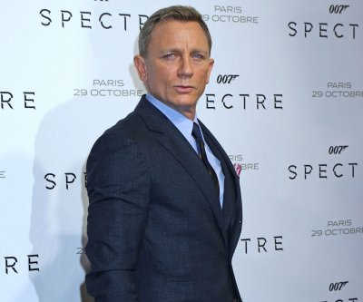 'Knives Out': Daniel Craig investigates a murder mystery in new trailer