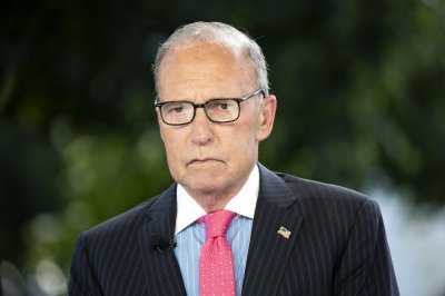 Kudlow: Stimulus plan to include $1,200 checks, eviction ban extension