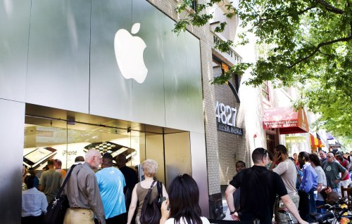 iPhones still selling, snags and all