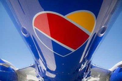 Southwest Airlines unveils new heart logo, plane design