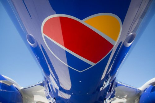 Southwest Airlines unveils new heart logo, plane design