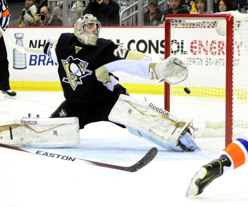 New York Islanders keep Pittsburgh Penguins from clinching playoff spot