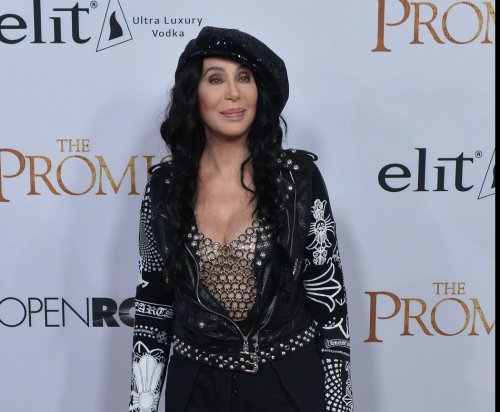 'Cher Show' to debut in Chicago in June, ahead of fall 2018 Broadway opening