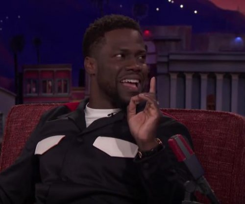 Kevin Hart details how he attempted to hold the Super Bowl trophy