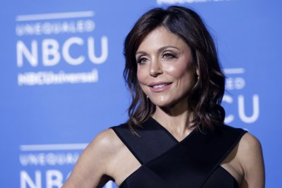 Bethenny Frankel's flight turns around due to her fish allergy